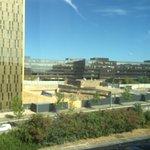 Impressionen / Zimmer 403: Blicke ins Bad, aus dem Fenster (Europäischer Gerichtshof und Großbau