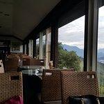 餐廳在櫃檯樓下 景觀佳