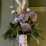 dining room floral arrangement -- lovely