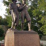 Huck & Finn Statue