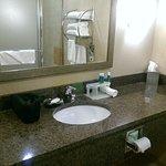 Photo de Holiday Inn Express & Suites Vernal-Dinosaurland