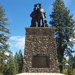 The emigrant monument just outside of the museum and visitors center