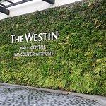 Foto de Westin Wall Centre Vancouver Airport