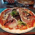 Pizza impressionnante et très bonne !