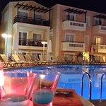 vista piscina e camere