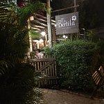 Restaurante ótimo , bom vinho , atendimento excelente ,comida saborosa, precisa fazer reserva ,