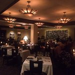 Arnie Morton's The Steakhouse, Woodland Hills dining area