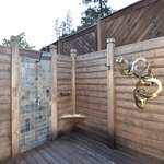 Bay Forest Spa Lodge Outdoor shower
