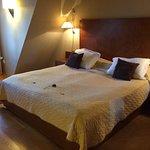 Photo de Hotel The Golden Wheel