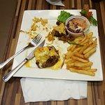 ภาพถ่ายของ 10derloin Steakhouse, Wine, and Cigar Bar
