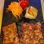 salsicce e carne alla griglia