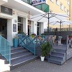 Kawka, karafka. Cafe & Bistro.