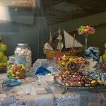 Buffet offerto di caramelle e cioccolatini per tutto il soggiorno.