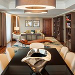 Presidential Suite Table