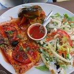 La polenta gratinée, et tous ses petits légumes crus et cuits