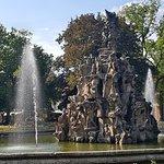 Der Hugenottenbrunnen im Schloßpark