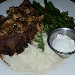 Buck's T-4 Restaurant Foto