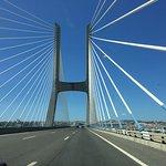 Rijdend over de brug richting Lissabon