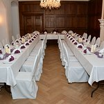 Speisesaal für eine Hochzeit mit ca. 40 Gästen