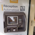 Automatic check in machine