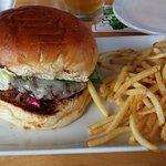 Ulis burger with fries