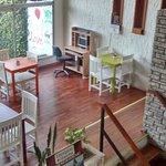 La sala de estar del Coloria es un espacio acogedor, cálido. Un ambiente para quedarse todo el d