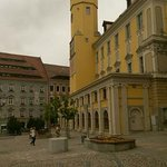 Hauptmarkt mit Rathaus und Goldener Adler