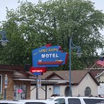 Longships Motel Picture