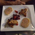 Duo de Foie gras de canard mi-cuit Armagnac et Bordeau moelleux toasts et chutney de saison