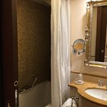 Rialto Room bath