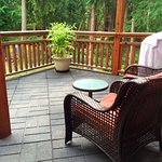 Luxury Suite - Private Patio with BBQ