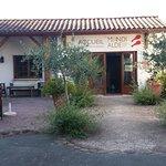 Foto de Hotel Restaurant Mendi Alde