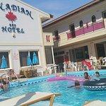Photo de California Beach Hotel