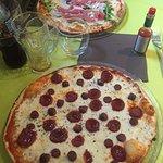 Mit Pizza hat es nichts zu tun... Gefühlt 3kg Käse auf der Pizza sehr ölig und total überladen,