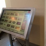 Smartscreen to research local attractions/restaurants...