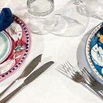i simpatici piatti decorati a mano