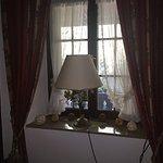 الفندق رايق،عبارة عن بيت قديم وحولوه فندق المنطقةهادية وآمنة وقريبة من فريبورغ بسعرمعقول مافيه م