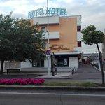 Photo de Hotel Torre Hogar
