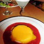 Nachspeise: Griesspudding mit Erdbeermango-Sauce