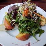 Salat mit Pfirsich :)