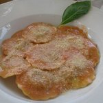 Raviolis de hongos en salsa Aurora