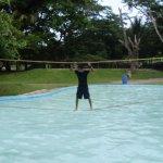 Algunas áreas tienen cuerdas para divertirse, ya sea colgándose en ellas o para un partido e vol