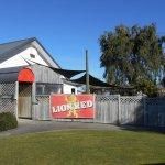 Neighbourhood Pub - Westward Inn