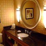 Photo de Doubletree Hotel Columbus Worthington