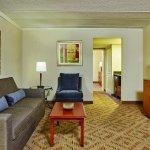 DoubleTree Suites by Hilton Hotel Philadelphia West resmi