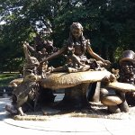 Foto de Alice in Wonderland Statue