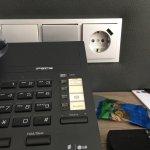 Details der renovierten Zimmer. Steckdosen mit USB-Buchse im Zimmer.