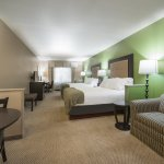 Photo de Holiday Inn Express Hotel & Suites Eau Claire North
