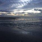Strand direkt am Hotel im ruhigen November