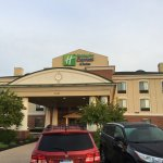 Photo de Holiday Inn Express Hotel & Suites Howell